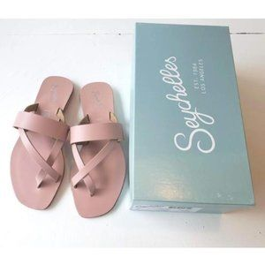 New! Seychelles Destiny Cross-Strap Thong Sandals